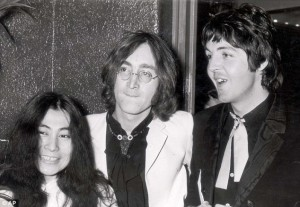 Yoko-Ono-John-Lennon-Paul-McCartney